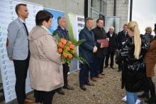 konferencja prasowa - otrzymanie promesy na dokończenie budoy SP w Dziekanowicach