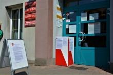 główne wejście do Urzędu Gminy i Miasta Dobczyce