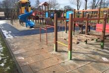 Plac zabaw przy Szkole Podstawowej nr 1 w Dobczycach