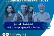 Na zdjęciu rodzina i napis: Pwoszechny Spis Ludności i Mieszkań 2021. Już od 1 kwietnia! Wejdź na spis.gov.pl i spisz się! Liczymy się dla Polski