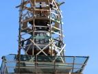 Podczas remontu wieży kościelnej w Stadnikach znaleziono kapsułę czasu, fot. Witold Uchman