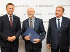 """podpisanie umowy w sprawoe programu """"Małopolska niania"""" - źródło małopolska.pl"""
