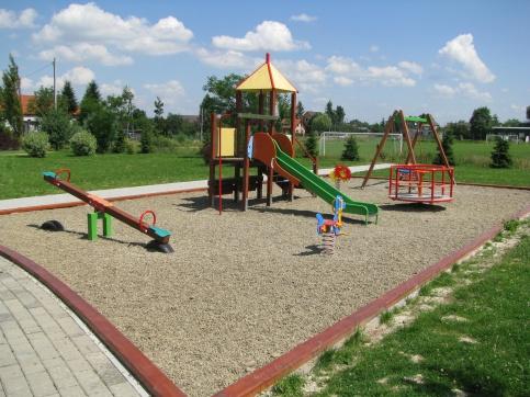 Plac zabaw w Stadnikach